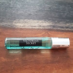 Victoria's Secret Glossy Lip Oil Coconut Splash
